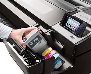 Tinte nachfüllen bei HP Grossformatdrucker