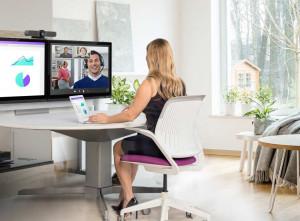 Videobesprechung am Arbeitsplatz mit Logitech MeetUp