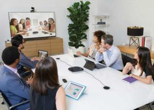 Videokonferenz mit mehreren Teilnehmern und Logitech Conference Cam