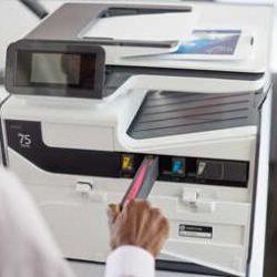 Tintenwechsel an einem HP-PageWide Multifunktionsgerät